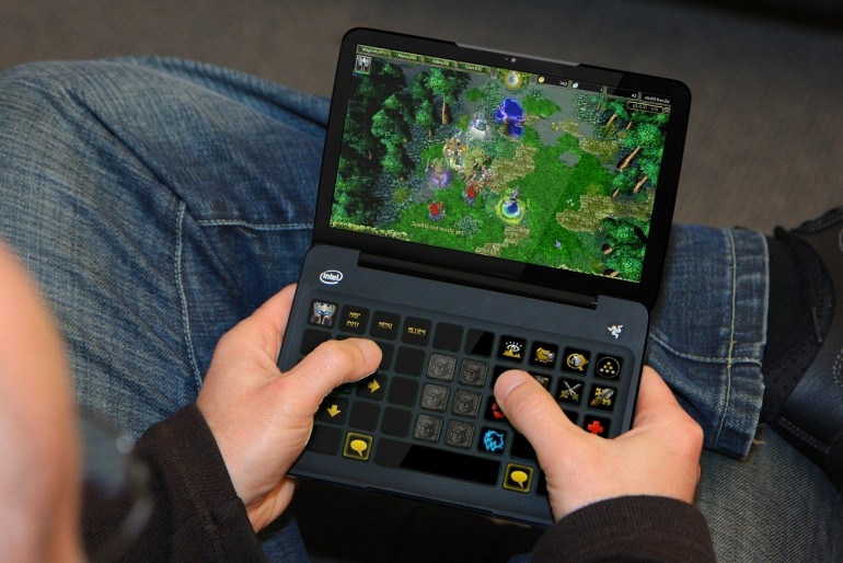 Razer Switchblade устраняет потребность в QWERTY-клавиатуре и мышке