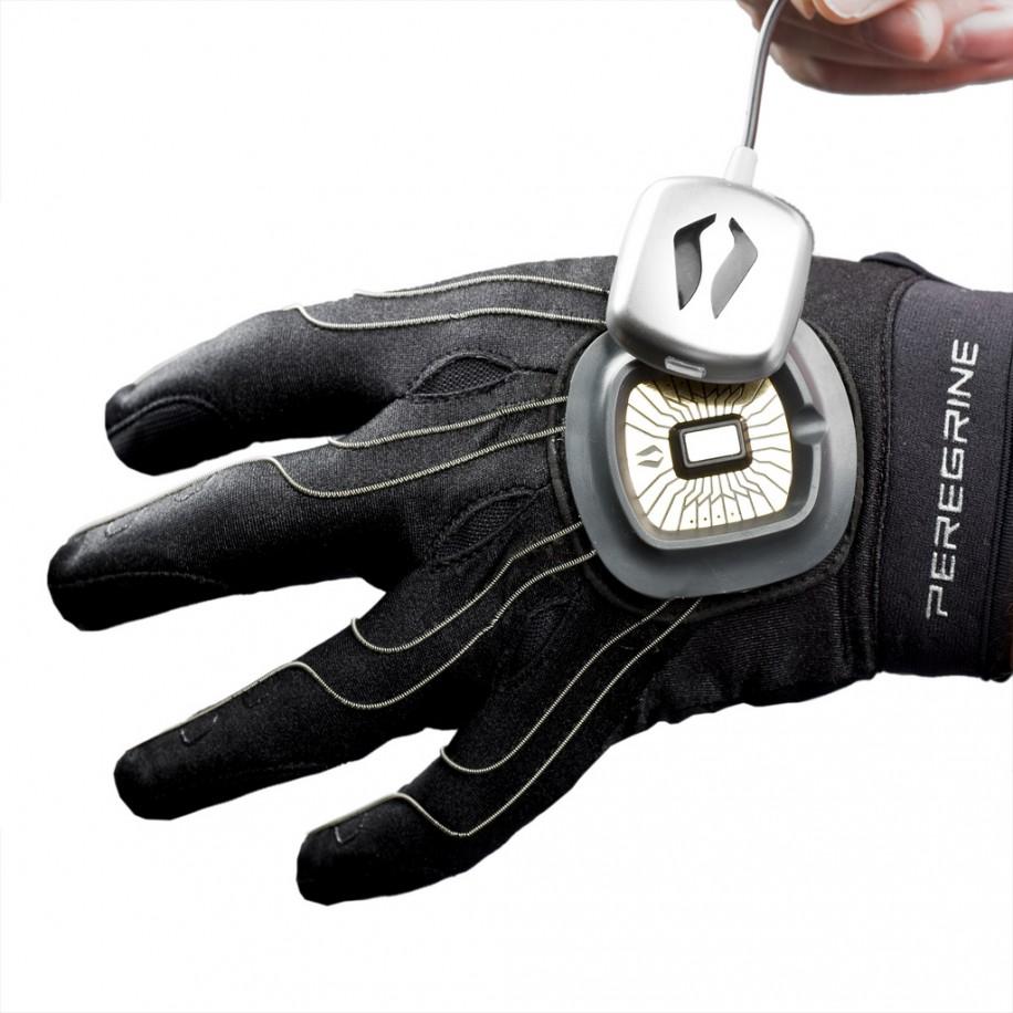 дизайн перчатки в стиле TRON