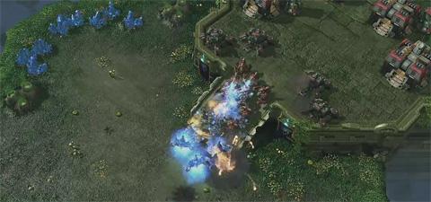 Starcraft 2: Heart of the Swarm - Battle Hellion