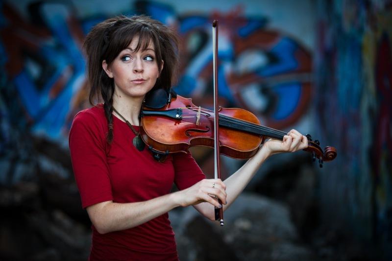 Lindsey Stirling показала всем, как нужно играть на скрипке
