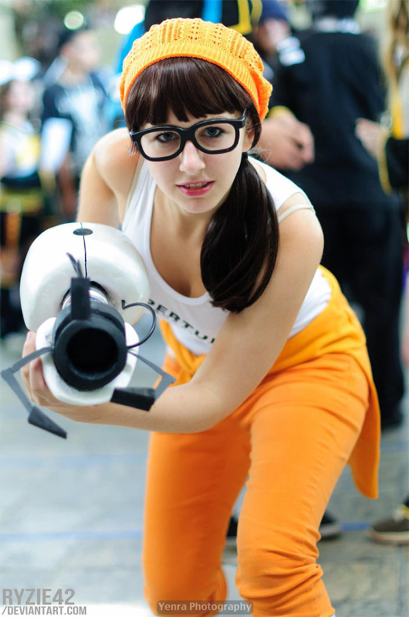 Hipster Chell Cosplay