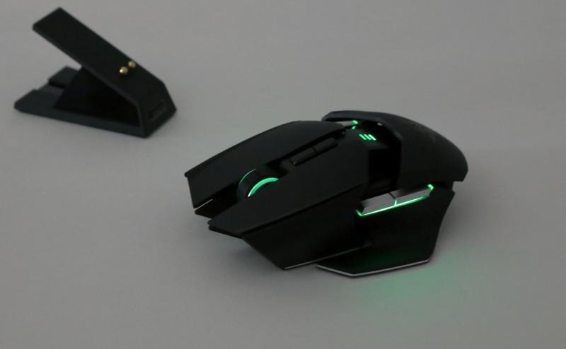 Razer Ouroboros светится зеленым
