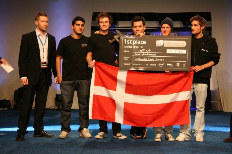 Лучшая команда 2008 года – mTw. Слева направо: guddo, MJE, Sunde, zonic, whimp, ave.