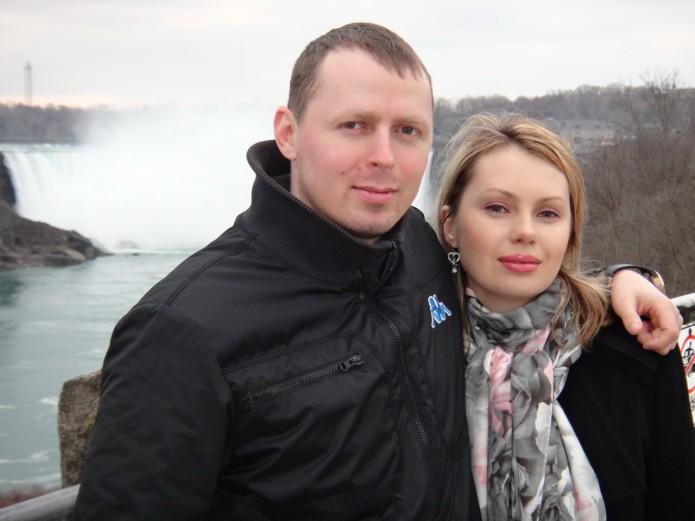 Алексей со своей супругой