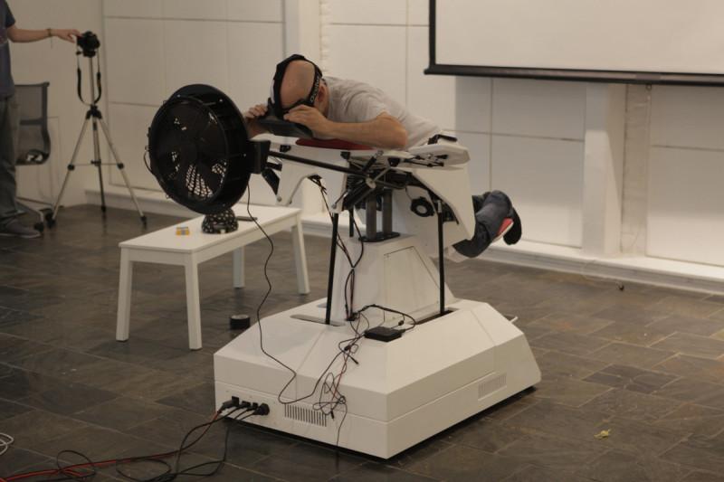 Birdly – лётный симулятор для всего тела, интегрированный с OculusRift.