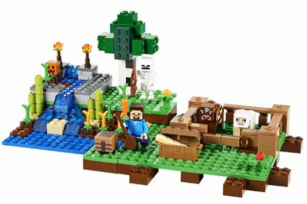 Существует целая серия конструкторов Lego в стилистике Minecraft