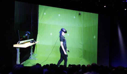 VR girl in front of chromakey
