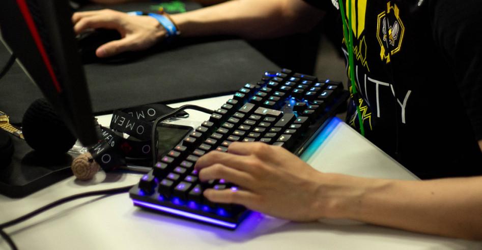 механическая клавиатура для киберспорта