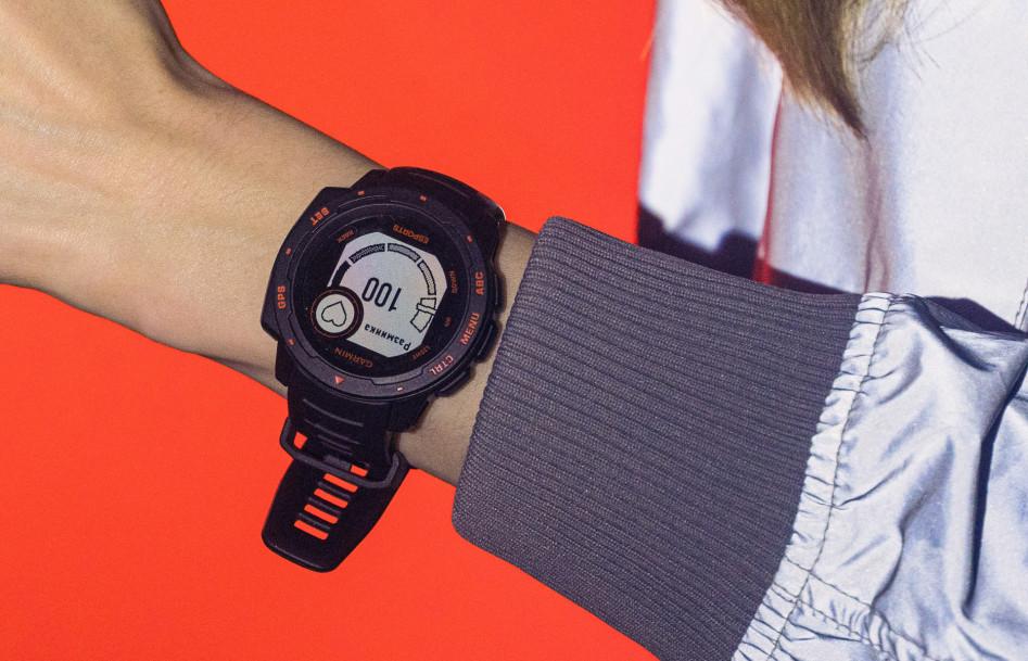 Garmin Instinct Esports Edition киберспортивные часы